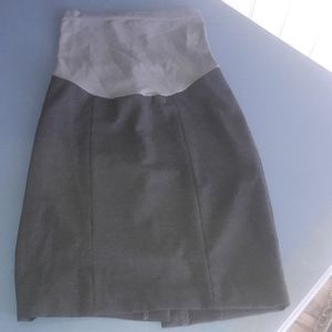 A Pea in the pod maternity skirt